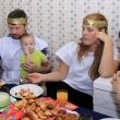 За столом - День рождения в стиле Древней Греции - Волошины.РФ