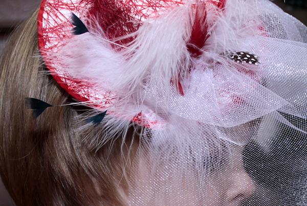 Хаос перьев с первой шляпки - Мини-шляпки - Волошины.РФ