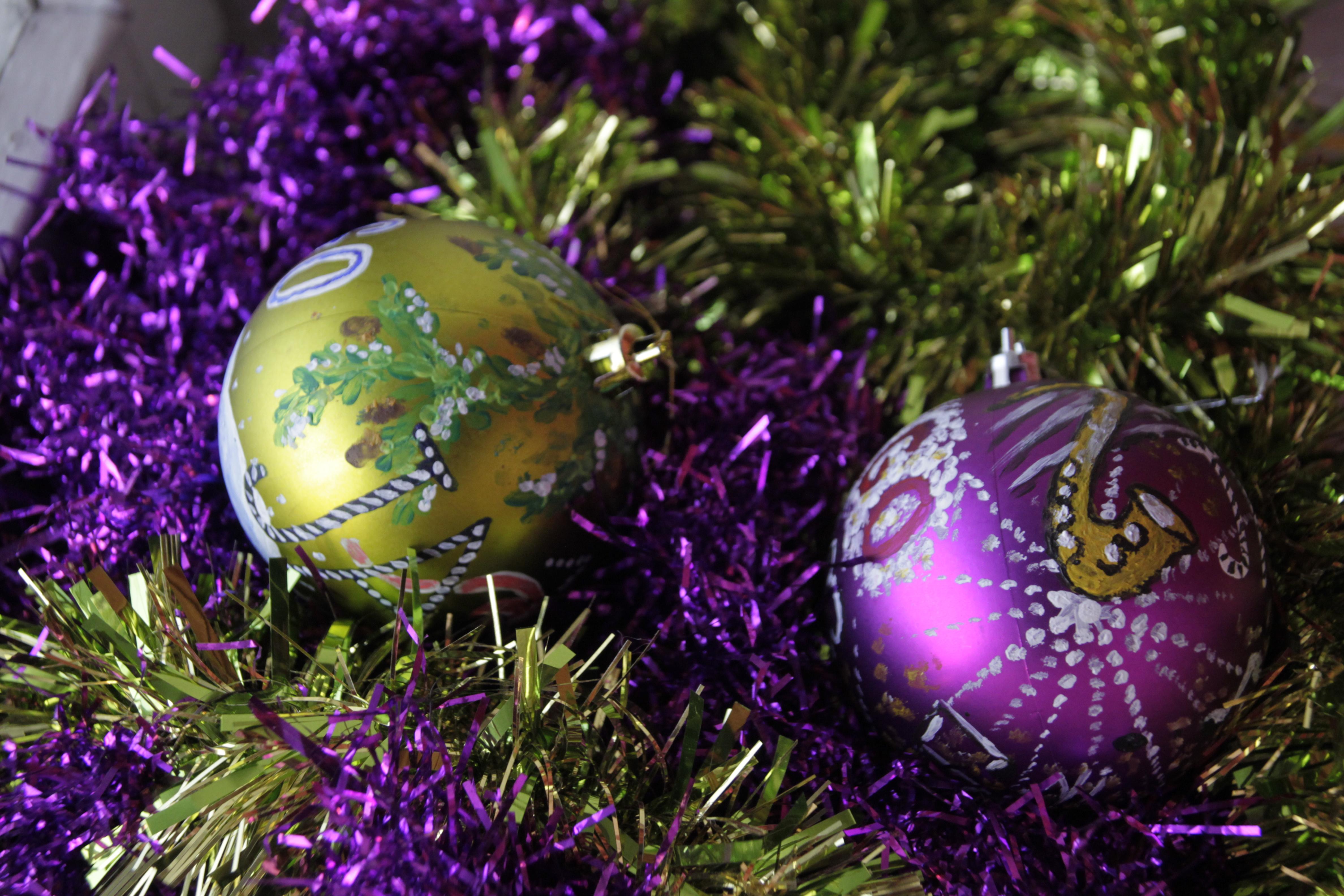 Новогодние шарики раскрашены вручную - Волошины.РФ